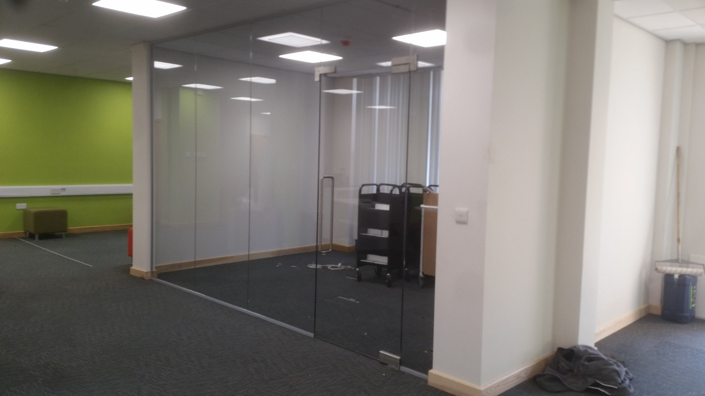 Frameless Glass Partition complete with standard height door and overpanel. & Glass Office Partitions - Glass Walls u0026 Internal Glass Doors ...